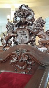 Hamburg Wappen an Sitzbank
