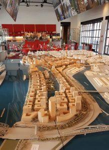 Hafencity Ostseite mit den Elbbrücken