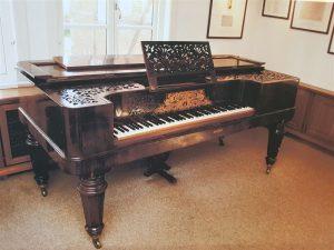 Tafelklavier von 1859 auf dem Brahms unterrichtete